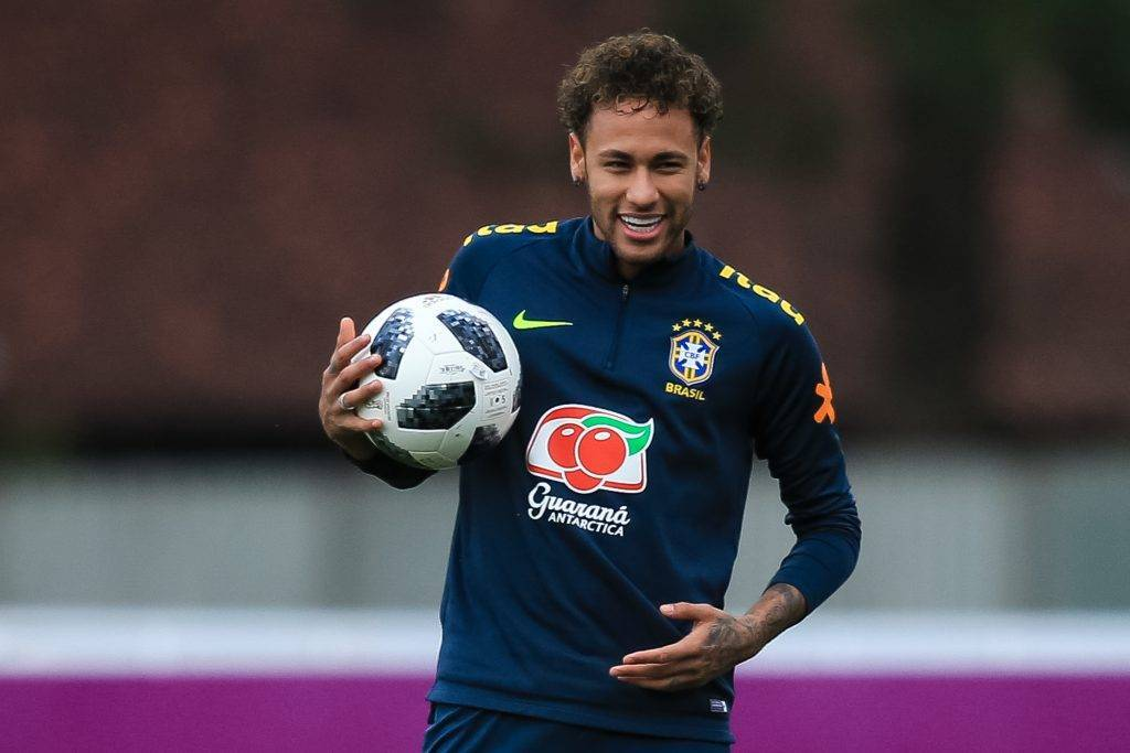 "Paris Saint Germain, Neymar: ""Futuro? Ho un contratto qui"""